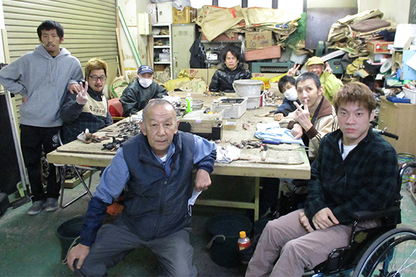 銅線・リサイクル作業